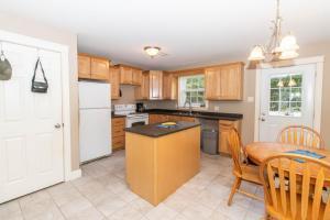 8 Kitchen (1) (1)